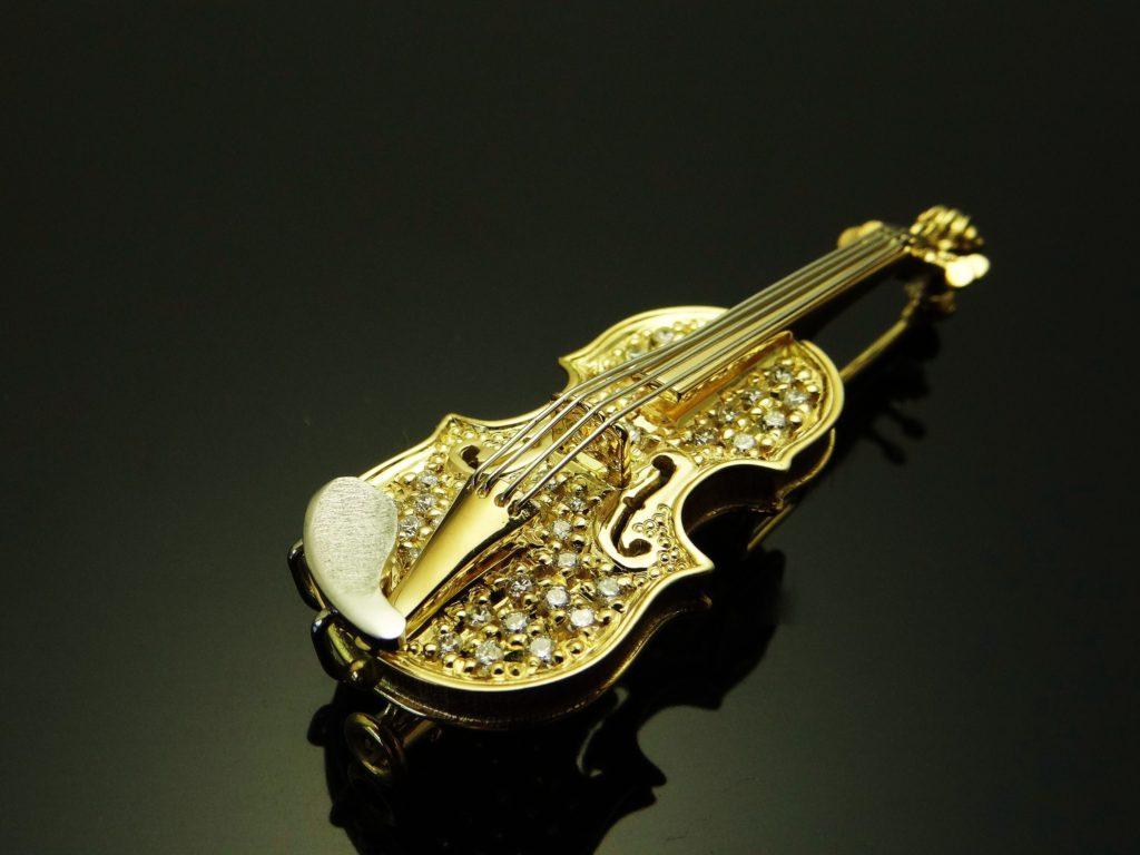 ヴァイオリンブローチ(ダイヤ付き)